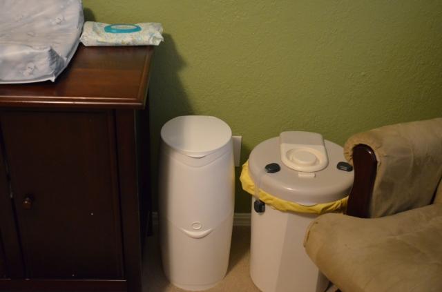diaper pails (1)
